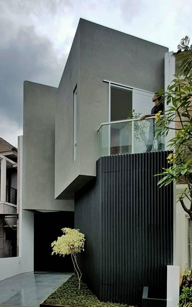 Xoay mặt tiền của ngôi nhà để tránh tiếp xúc trực tiếp với nắng gắt