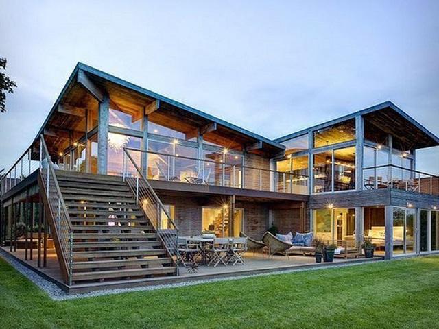 Nhà gỗ thiết kế với tường kính