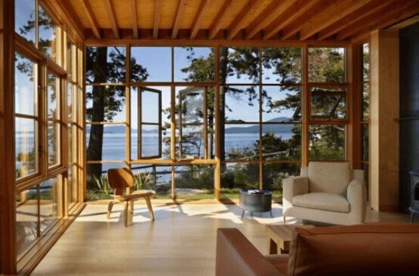 Kiểu nhà kính kết hợp khung cửa gỗ theo hơi hướng cổ điển