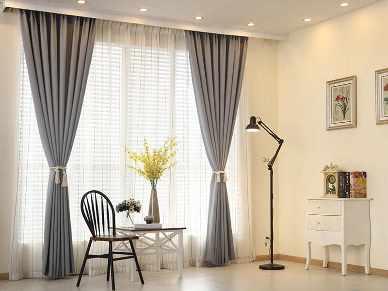 Giải pháp chống nóng cho cửa kính bằng rèm che